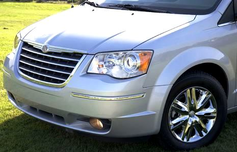 Chrysler_Town_amp_Country_200